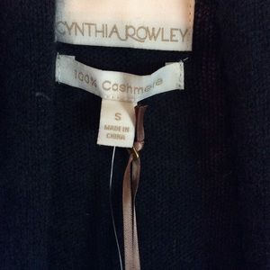 Cynthia Rowley 100% Cashmere. Olive green. S.